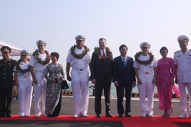 Năm ngày khó quên của thuỷ thủ tàu sân bay Carl Vinson Mỹ tại Đà Nẵng ảnh 3
