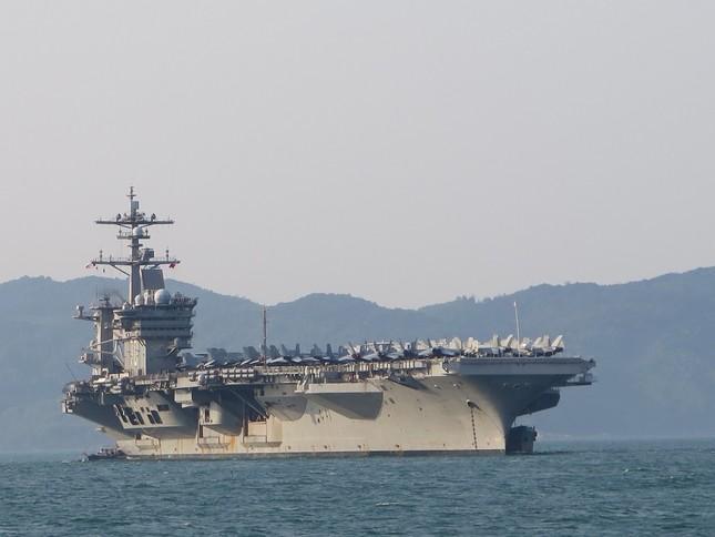 Năm ngày khó quên của thuỷ thủ tàu sân bay Carl Vinson Mỹ tại Đà Nẵng ảnh 1