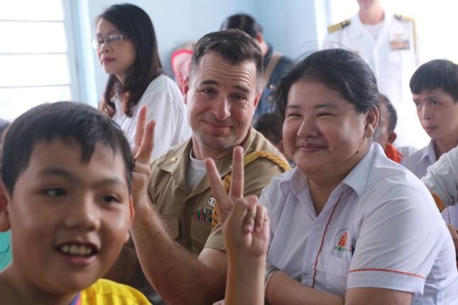 Năm ngày khó quên của thuỷ thủ tàu sân bay Carl Vinson Mỹ tại Đà Nẵng ảnh 20