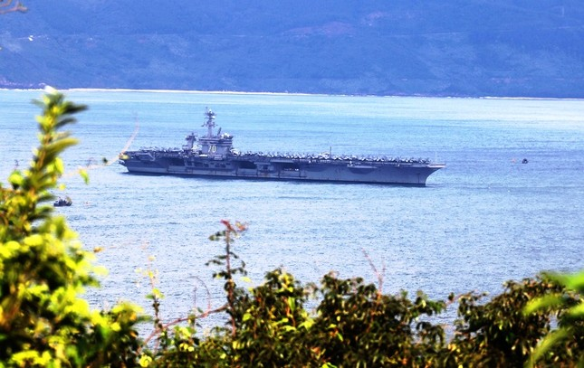 Năm ngày khó quên của thuỷ thủ tàu sân bay Carl Vinson Mỹ tại Đà Nẵng ảnh 26