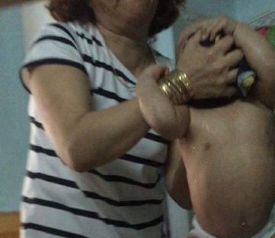 Vụ bạo hành trẻ ở Đà Nẵng: Đưa 14 bé mầm non đi kiểm tra sức khỏe ảnh 2