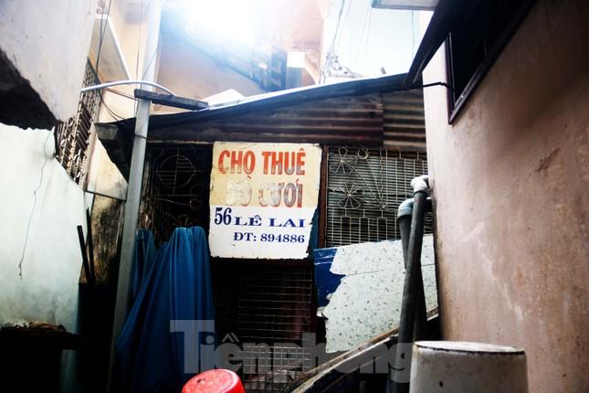 """Cận cảnh những khu tập thể """"ổ chuột"""", nguy cơ đổ sập ở trung tâm Đà Nẵng ảnh 7"""