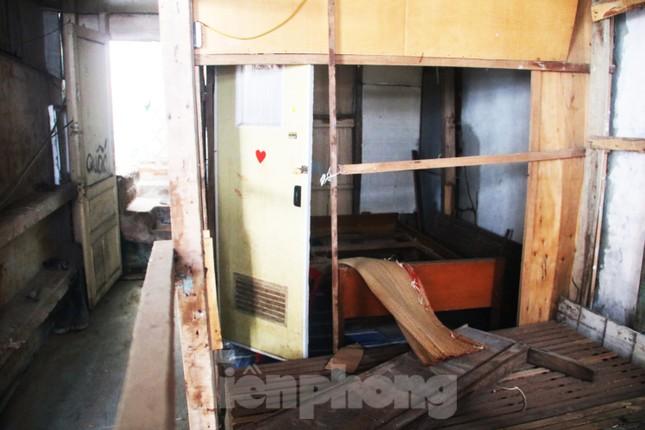 """Cận cảnh những khu tập thể """"ổ chuột"""", nguy cơ đổ sập ở trung tâm Đà Nẵng ảnh 4"""