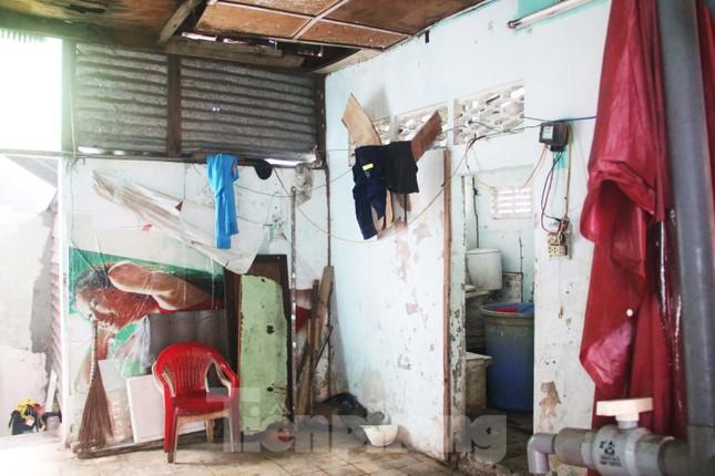 """Cận cảnh những khu tập thể """"ổ chuột"""", nguy cơ đổ sập ở trung tâm Đà Nẵng ảnh 3"""