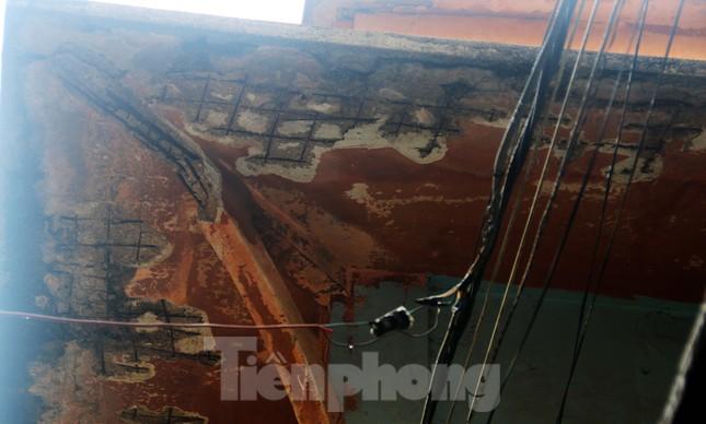 """Cận cảnh những khu tập thể """"ổ chuột"""", nguy cơ đổ sập ở trung tâm Đà Nẵng ảnh 8"""