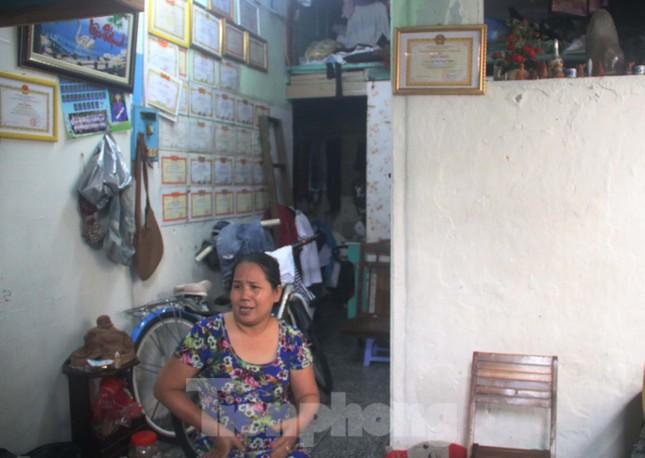 """Cận cảnh những khu tập thể """"ổ chuột"""", nguy cơ đổ sập ở trung tâm Đà Nẵng ảnh 9"""