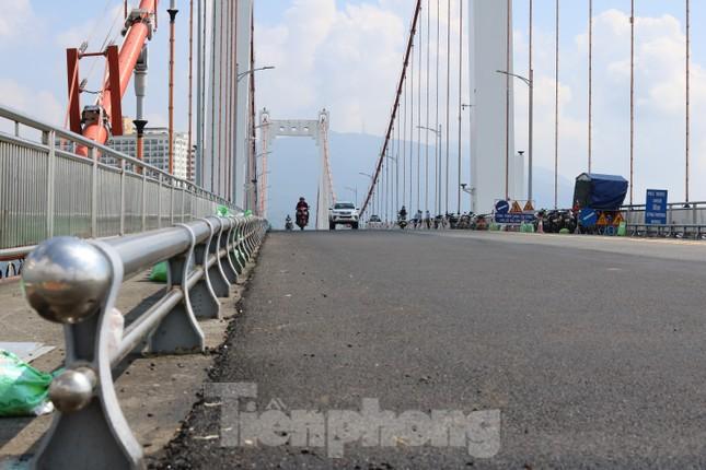 Cận cảnh cầu dây võng 1.000 tỷ dài nhất Việt Nam phải thay mặt đường. ảnh 9