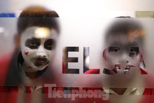 Loạt 'quỷ nhỏ' háo hức xuống phố Tây vui hội Halloween ảnh 7