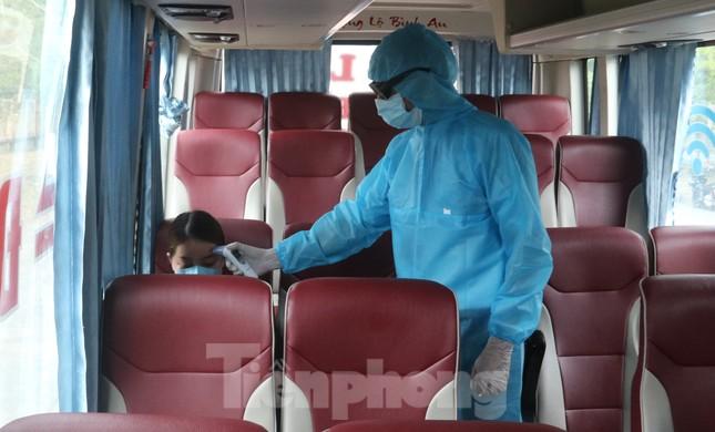 Cận cảnh quy trình kiểm tra, giám sát y tế ở cửa ngõ thành phố Đà Nẵng ảnh 15