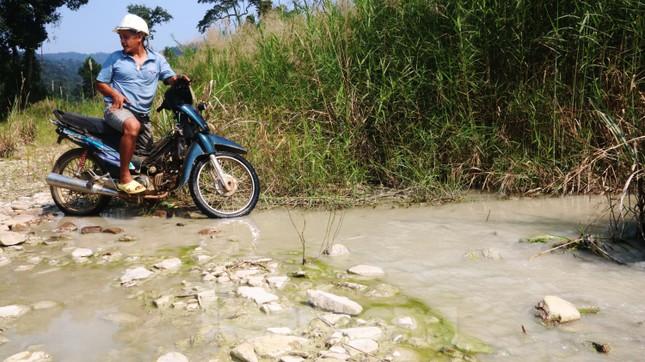 'Đột kích' công trường khai thác vàng trái phép giữa rừng Phước Sơn ảnh 11