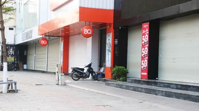 Hàng loạt cửa hàng, quán xá ở Đà Nẵng đóng cửa thực hiện 'lệnh giới nghiêm' ảnh 3