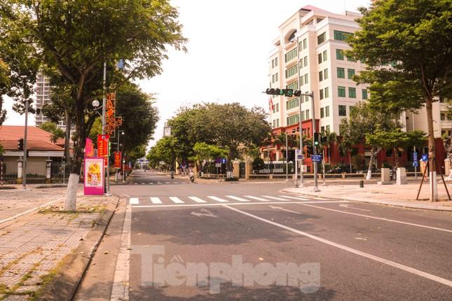Cảnh 'vắng lặng như tờ' trong ngày Đà Nẵng tròn 45 năm giải phóng thành phố ảnh 4
