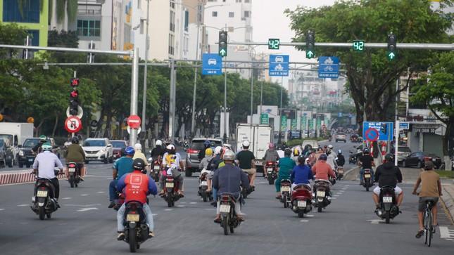 Nhịp sống Đà Nẵng sôi động trở lại sau nới lỏng giãn cách xã hội ảnh 1