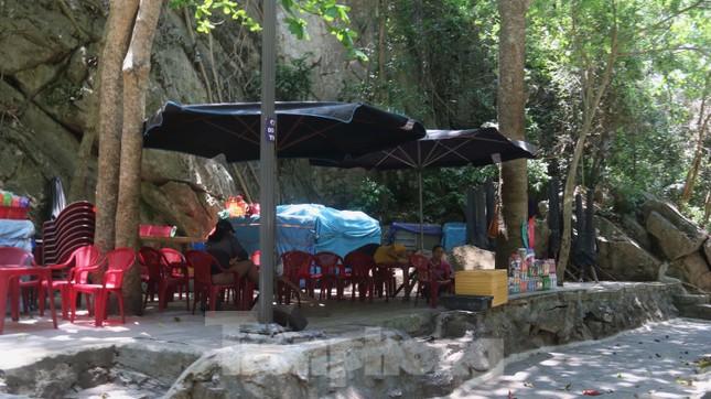 Ngắm danh thắng hoang sơ Ngũ Hành Sơn vắng khách dù miễn phí tham quan ảnh 20