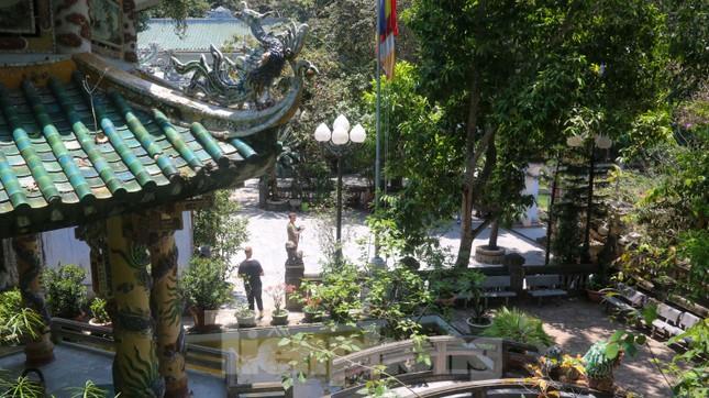 Ngắm danh thắng hoang sơ Ngũ Hành Sơn vắng khách dù miễn phí tham quan ảnh 4