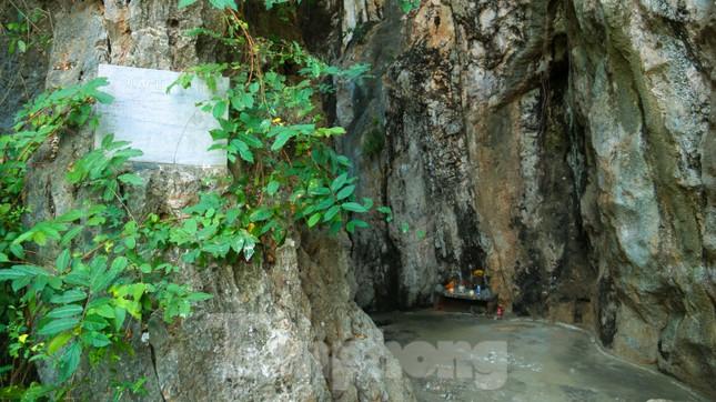 Ngắm danh thắng hoang sơ Ngũ Hành Sơn vắng khách dù miễn phí tham quan ảnh 8