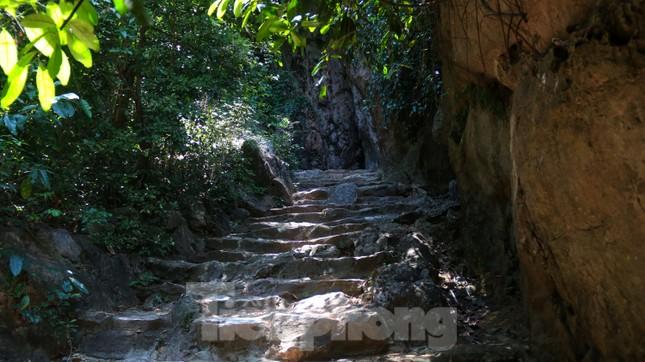 Ngắm danh thắng hoang sơ Ngũ Hành Sơn vắng khách dù miễn phí tham quan ảnh 7