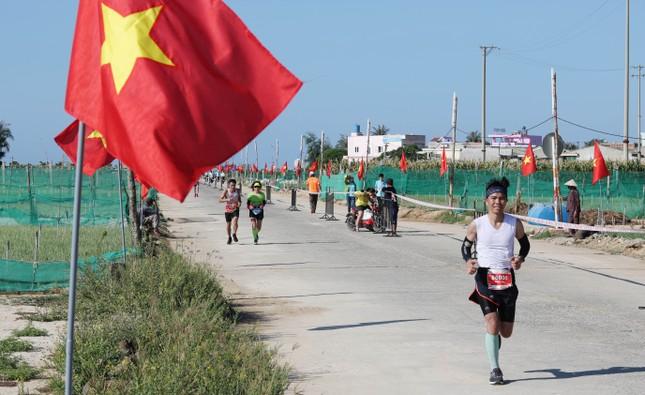 Tiền Phong Marathon 2020: Chạy dưới bóng cờ Tổ quốc ảnh 3