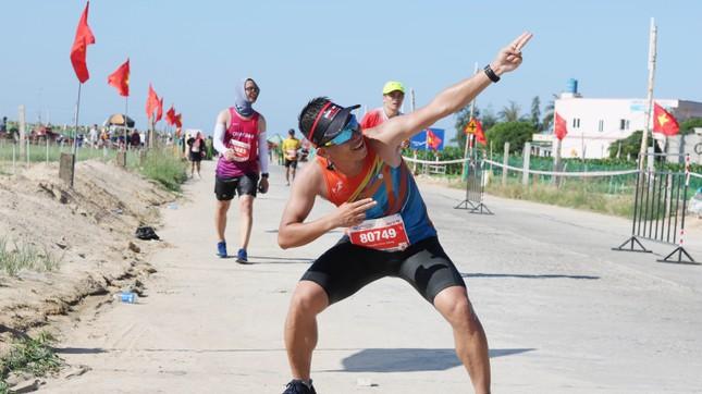 Tiền Phong Marathon 2020: Chạy dưới bóng cờ Tổ quốc ảnh 16