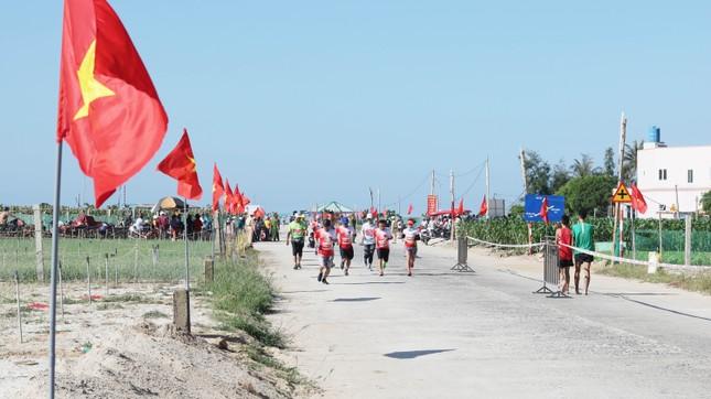Tiền Phong Marathon 2020: Chạy dưới bóng cờ Tổ quốc ảnh 10