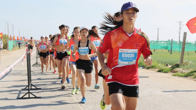 Tiền Phong Marathon 2020: Chạy dưới bóng cờ Tổ quốc ảnh 1