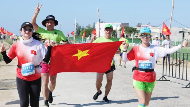 Tiền Phong Marathon 2020: Chạy dưới bóng cờ Tổ quốc ảnh 5