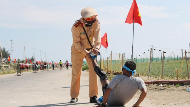 Tiền Phong Marathon 2020: Chạy dưới bóng cờ Tổ quốc ảnh 14