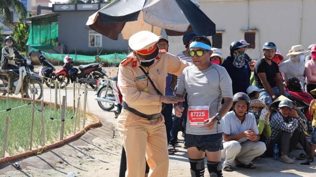 Tiền Phong Marathon 2020: Chạy dưới bóng cờ Tổ quốc ảnh 15