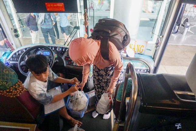 Sân bay, bến xe Đà Nẵng đã dần nhộn nhịp trở lại ảnh 8