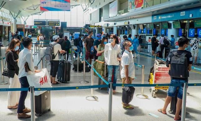 Sân bay, bến xe Đà Nẵng đã dần nhộn nhịp trở lại ảnh 2