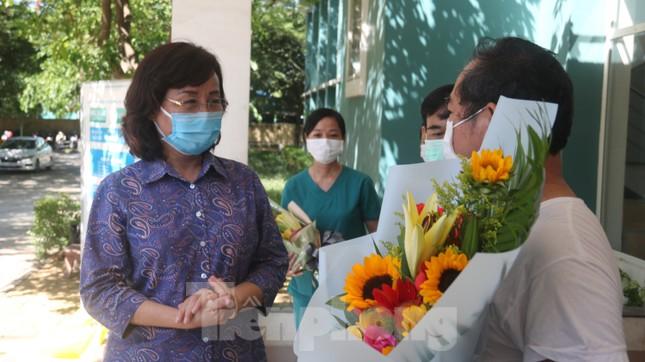 Sau 19 lần xét nghiệm, bệnh nhân cuối cùng tại tâm dịch Đà Nẵng chiến thắng COVID-19 ảnh 5