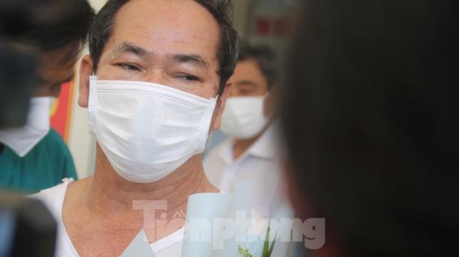 Sau 19 lần xét nghiệm, bệnh nhân cuối cùng tại tâm dịch Đà Nẵng chiến thắng COVID-19 ảnh 1