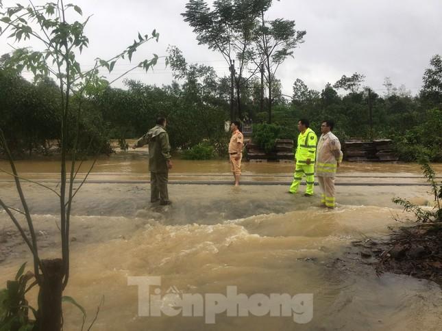 Đường sắt Bắc Nam thông trở lại sau sự cố trật bánh, đứt toa ở Quảng Trị ảnh 6