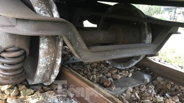 Đường sắt Bắc Nam thông trở lại sau sự cố trật bánh, đứt toa ở Quảng Trị ảnh 2