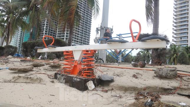 Bãi biển 'đẹp nhất hành tinh' tan hoang sau bão số 13 ảnh 12