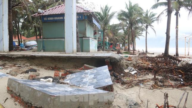 Bãi biển 'đẹp nhất hành tinh' tan hoang sau bão số 13 ảnh 10