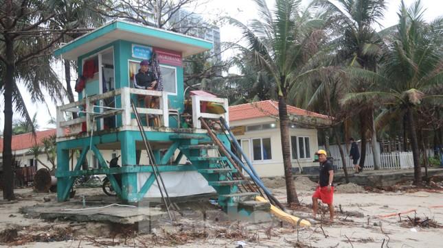 Bãi biển 'đẹp nhất hành tinh' tan hoang sau bão số 13 ảnh 9