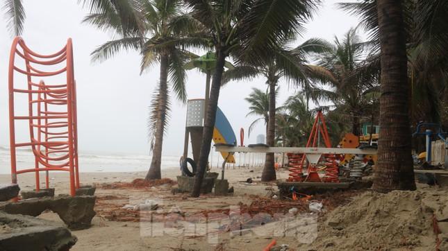 Bãi biển 'đẹp nhất hành tinh' tan hoang sau bão số 13 ảnh 7