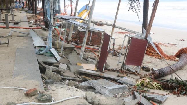 Bãi biển 'đẹp nhất hành tinh' tan hoang sau bão số 13 ảnh 4
