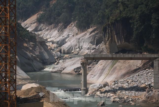 4 người còn mất tích, vùng núi lở Phước Sơn vẫn chồng chất khó khăn ảnh 5