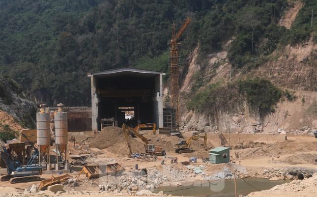 4 người còn mất tích, vùng núi lở Phước Sơn vẫn chồng chất khó khăn ảnh 4