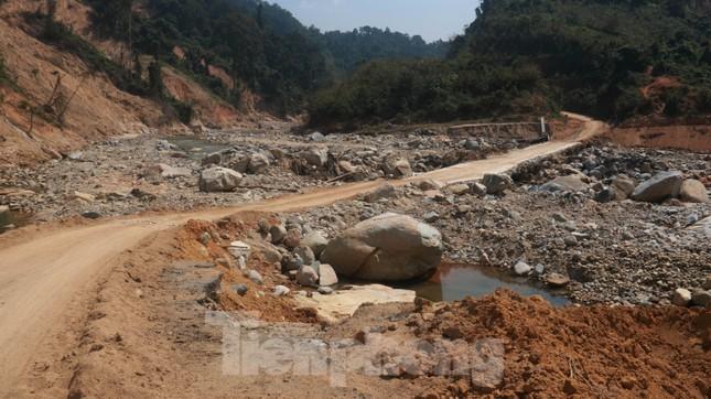 4 người còn mất tích, vùng núi lở Phước Sơn vẫn chồng chất khó khăn ảnh 6