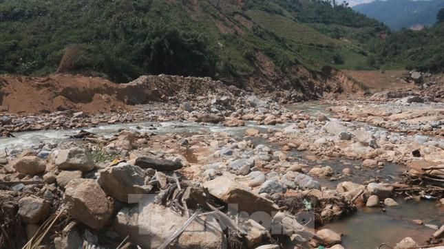 4 người còn mất tích, vùng núi lở Phước Sơn vẫn chồng chất khó khăn ảnh 7