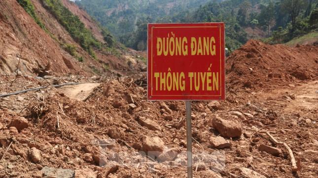 4 người còn mất tích, vùng núi lở Phước Sơn vẫn chồng chất khó khăn ảnh 2