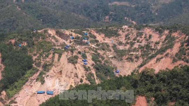 4 người còn mất tích, vùng núi lở Phước Sơn vẫn chồng chất khó khăn ảnh 14