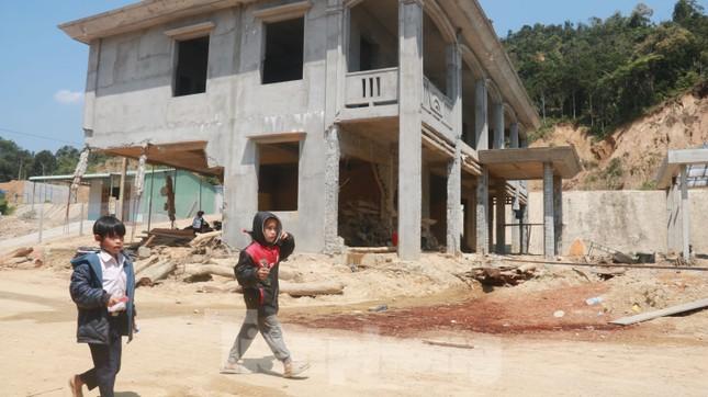 4 người còn mất tích, vùng núi lở Phước Sơn vẫn chồng chất khó khăn ảnh 9