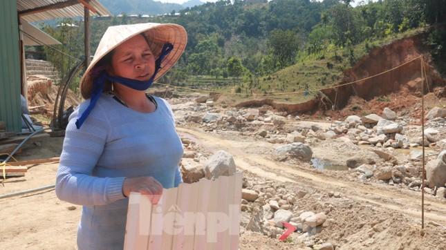 4 người còn mất tích, vùng núi lở Phước Sơn vẫn chồng chất khó khăn ảnh 12