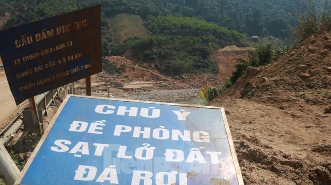 4 người còn mất tích, vùng núi lở Phước Sơn vẫn chồng chất khó khăn ảnh 1