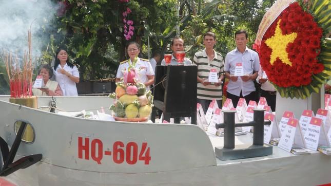Tưởng niệm 64 liệt sĩ Gạc Ma: Những bài vị trên con tàu HQ-604 ảnh 4