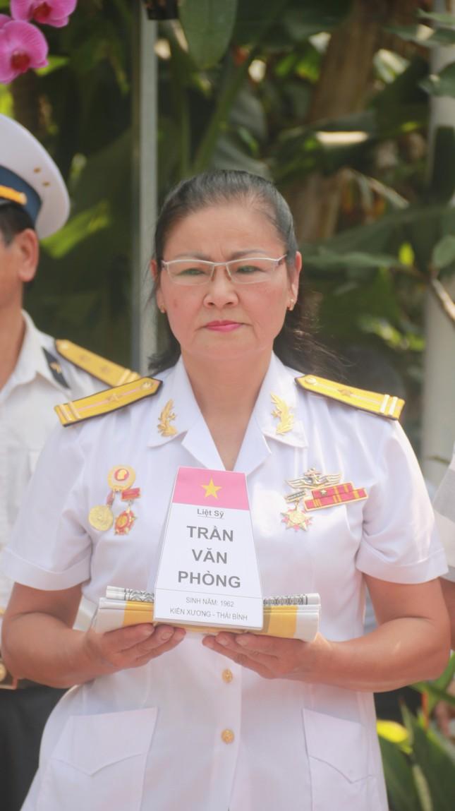 Tưởng niệm 64 liệt sĩ Gạc Ma: Những bài vị trên con tàu HQ-604 ảnh 7
